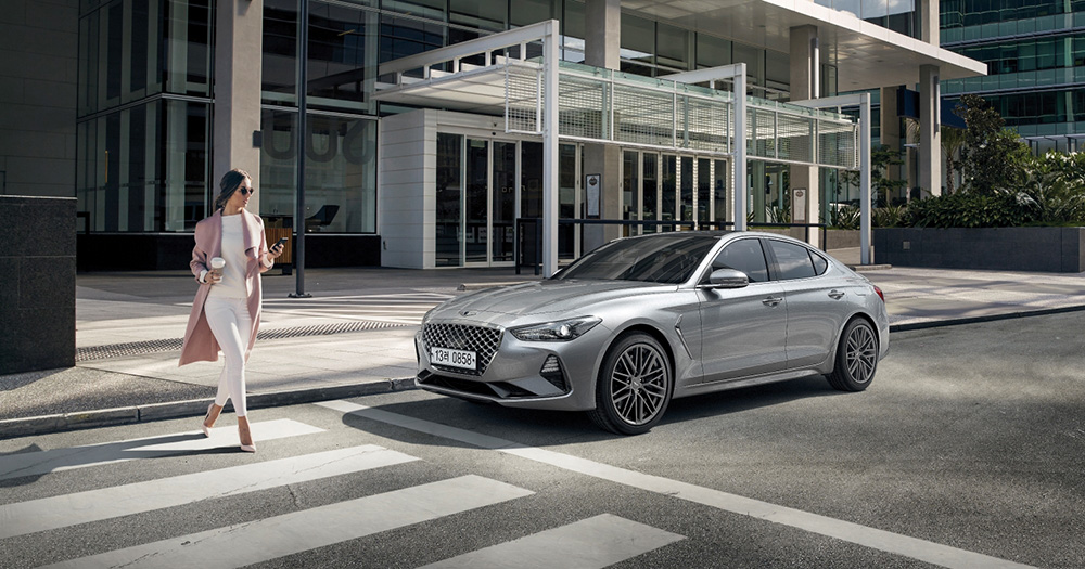 2019 genesis g70 silver front side